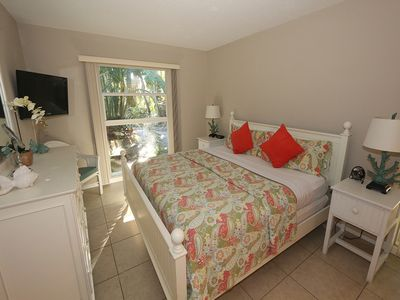 Photo for Beach Castle #17: 1 BR / 1 BA Resort on Longboat Key by RVA, Sleeps 4