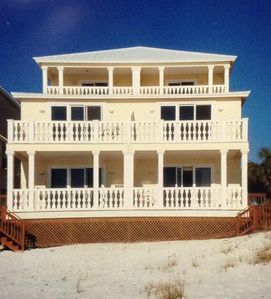 Photo for Family Friendly Large Beach Front Home.