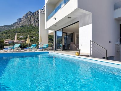 Photo for Holiday house with pool and sea view