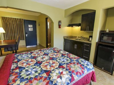 Photo for Studio, 2 Queen Beds, Kitchenette, Pool View #2