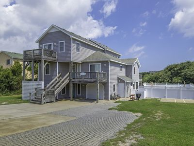 Photo for Located on the Seascape Golf Course with a private pool and 6 person hot tub-883