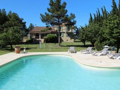 Photo for Villa with beautiful view on the Mont Ventoux at 2 km from the center of Bédoin.
