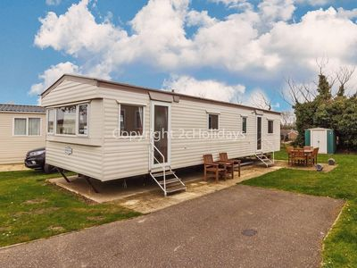 Photo for 10 berth caravan for hire at Cherry Tree park near Great Yarmouth ref 70372