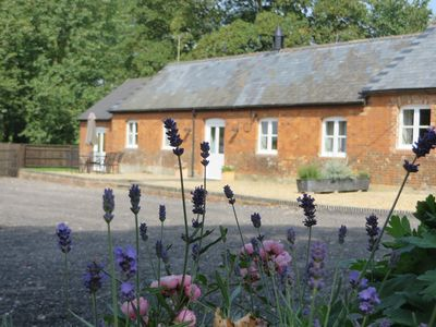 Photo for Luxury cottage, sleeps 4 in two en suite rooms, near Marlborough, Wiltshire