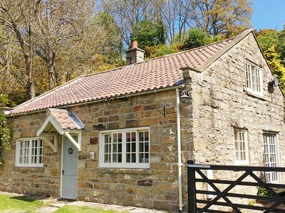 Photo for Quoits Cottage, GOATHLAND