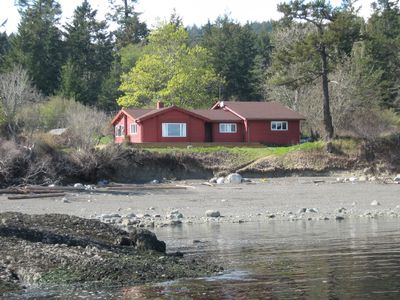 Photo for Spectacular Waterfront Retreat On South Pender Island - Low Bank Beachfront