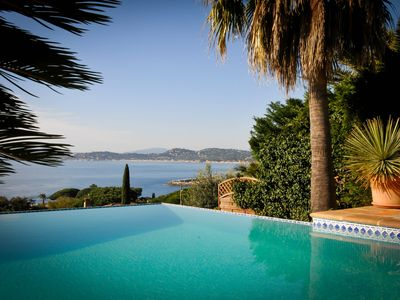 Photo for Beautiful villa with pool, superb sea view, beaches and center 200 m, 8 pers.
