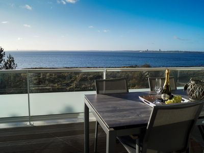 Photo for Exclusive holiday apartment with sea views, close to the beach for up to 6 people.