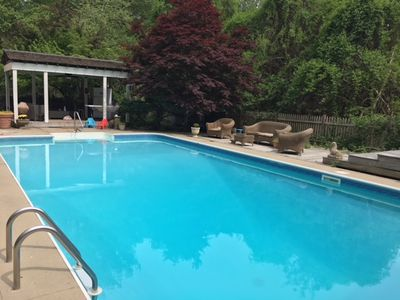 Private Riverfront w Pool/Hot Tub/Cabins. Sanctuary for Family/Friend Gatherings