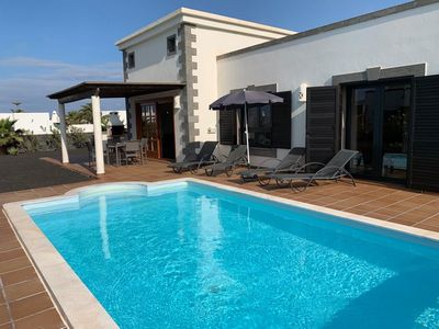"""Photo for Luxurious villa """"Fortuna"""" with pool in Playa Blanca"""