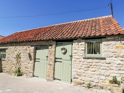 Photo for Puddleduck Cottage, THORNTON DALE