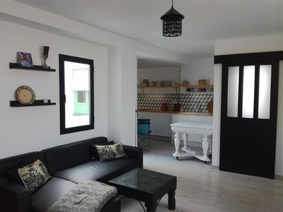 Photo for Apartment with terrace in the 5th 15 minutes from the beach on foot.