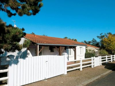 Photo for Vacation home Le Forcin (TSM202) in La Tranche sur Mer - 6 persons, 3 bedrooms