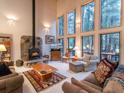 Photo for Sprawling 4BR/3.5BA at Tahoe Donner ? Near Golf, Skiing, Beach