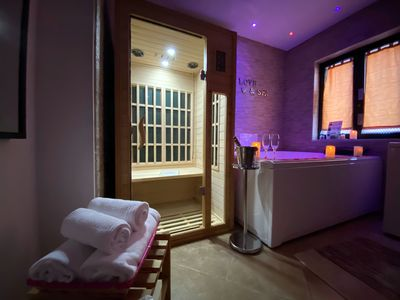 Photo for Suite with SPA, Jacuzzi, Sauna, 2 bedrooms and pool view near Pompeii, Naples!