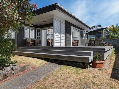 Modern Mount Escape - Mt Maunganui Holiday Home