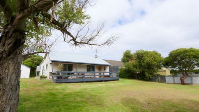 Photo for Guichen Cottage - in the heart of Robe