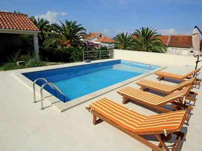 Photo for Beautiful apartment for 5 guests with pool, A/C, WIFI, TV, balcony and parking