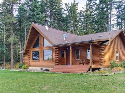 Photo for Valley views from this dog-friendly log cabin on a Christmas tree farm!