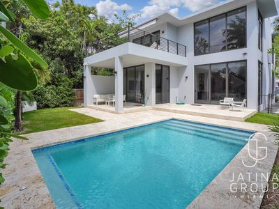 Photo for New Modern Coconut Grove 4Bedroom Villa with Pool!