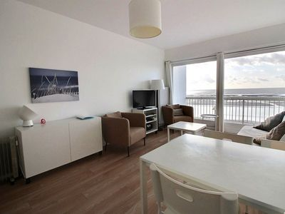 Photo for Nice seafront apartment, 1 bedroom and 1 cabin, for 4 people in HARDELOT BEACH.