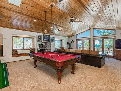 Photo for MtnScape_Hot Tub, Game Room, Pool Table, Ping Pong, Golf Arcade +HOA Amenities (Gym/Sauna/Pool)