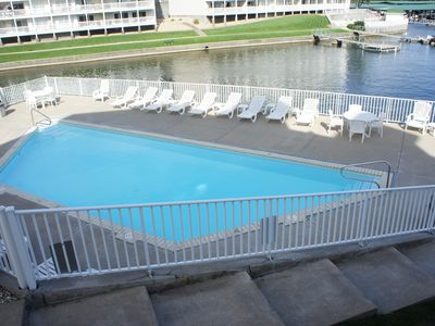 Photo for Parkview Bay 3 bedroom, 1st floor, Overlooks Pool, Lakefront, FREE WIFI