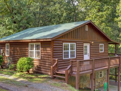 Photo for NEW LISTING - Pet-friendly 3BR Cabin Close to Blue Ridge