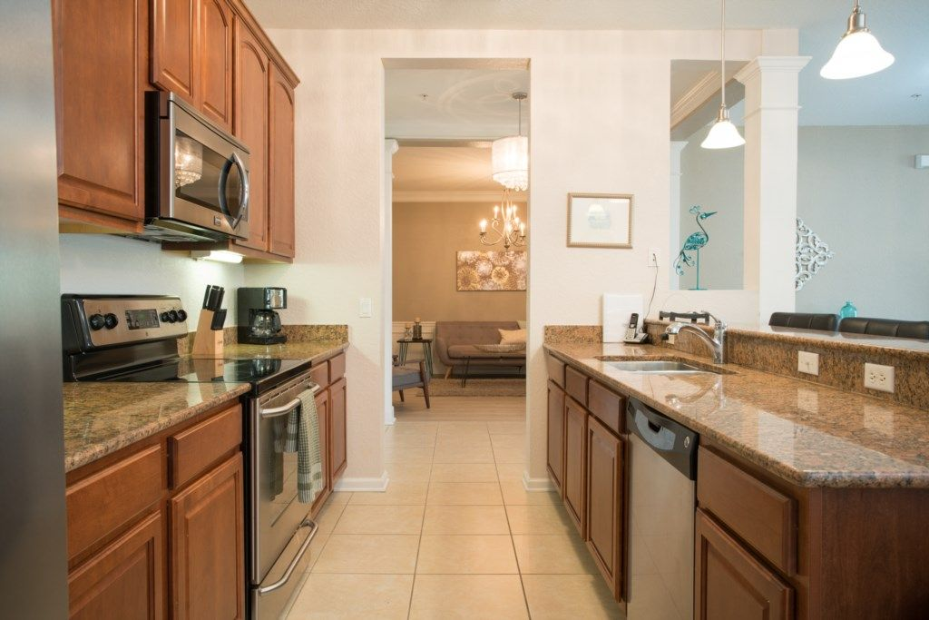 Fabulous new 3/2 condo close to all parks and Convention Center