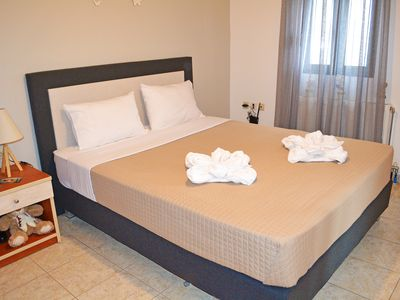 Photo for Budget apt,3 guests,Town center,No car needed,Next to taverns,bars,amenities 24