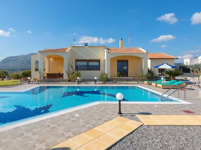 Photo for Villa Rose sleeps up to 9