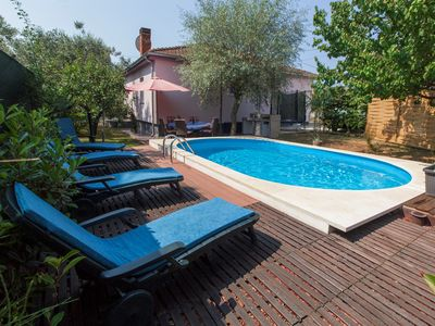 Photo for Holiday house with pool and whirlpool