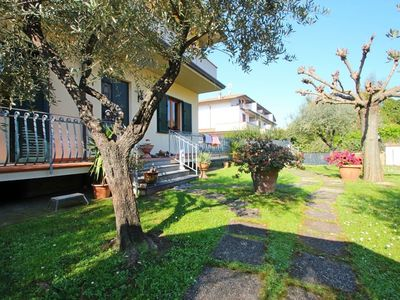 Photo for 2BR Apartment Vacation Rental in Capanne-Prato-Cinquale, Toscana