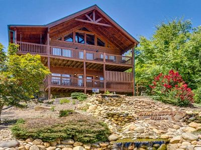 Amazing Escape II at Blackberry Ridge is a Three story, Four bedroom Cabin