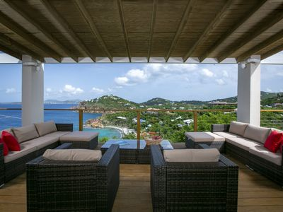 Photo for PANORAMIC VIEWS, GREAT RATES, PRIVATE POOL & BEACH ACCESS!