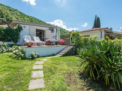 Photo for One bedroom Villa, sleeps 2 with Air Con, FREE WiFi and Walk to Shops