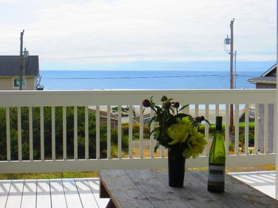 "Photo for 3000 Square feet, Sleeps 10,  2.5 bath walk past 8 houses to beach ""Seascape"""