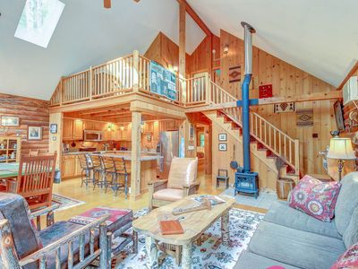 Photo for High-end, multi-level family cabin with a deck and grill, full comforts of home
