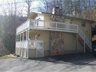 Photo for Family Friendly Rustic Condo w/ Gas Grill, Spacious Deck & Free WiFi