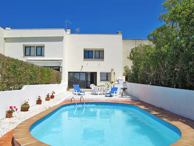 Photo for This 3-bedroom villa for up to 6 guests is located in Colares and has a private swimming pool and Wi