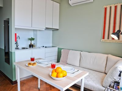 Photo for Misha's B&B | Dossel Bed | Terrace | Lift | AC - Apartment for 2 people in Lisboa ciudad