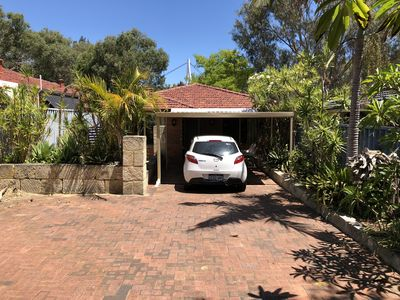 Large driveway with ample parking