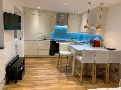Photo for Newly renovated 2 Bedroom, 1 minute from Marylebone tube