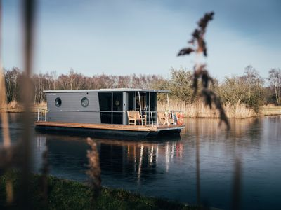 Photo for Houseboat IJssellodge, Hattem / Zwolle