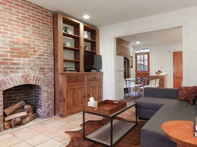 Historic Cap Hill Apt/Sleeps5/Fresh Renovation/Clean and Comfortable
