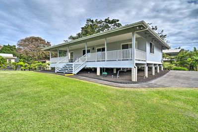 Call Hilo home when you book this charming 2-bed, 1-bath home!