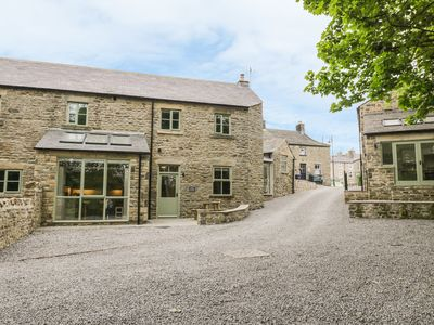 Photo for OAK COTTAGE, pet friendly in Middleton-In-Teesdale, Ref 966830