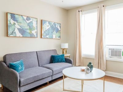 Photo for Charming Apartment Near Wrigley | Free Parking C1