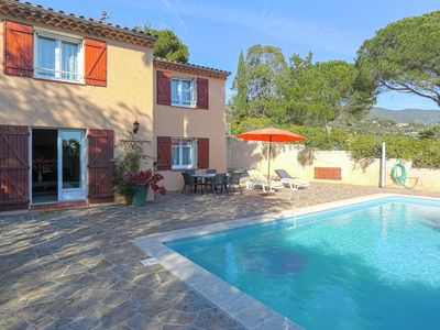 Photo for Provencal, detached house with private pool, only 3 km from the Mediterranean Sea