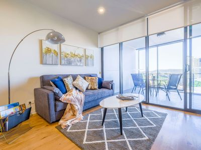 Photo for Stunning River View 2 Bedroom Apartment @SouthBank